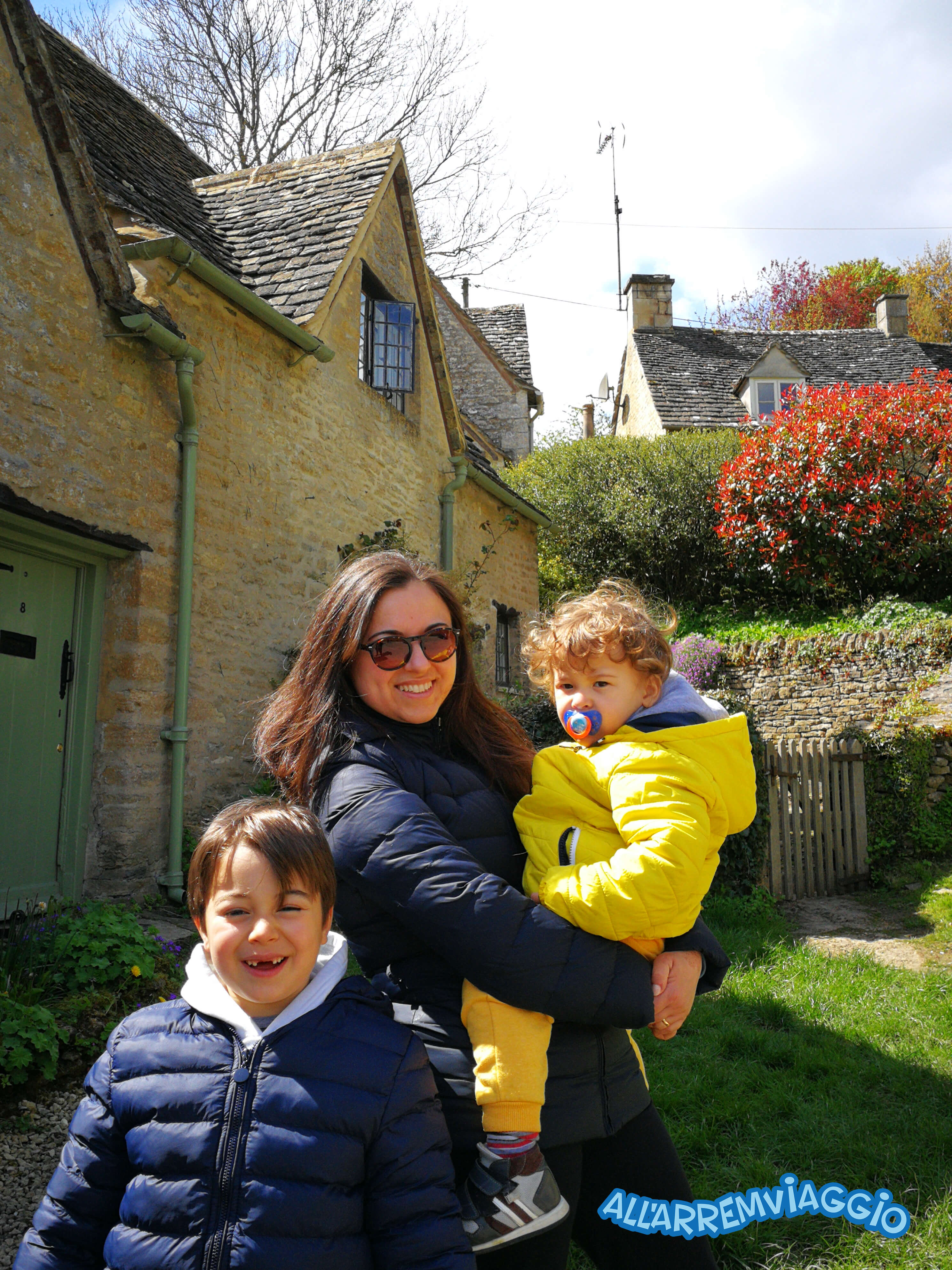allarremviaggio, viaggiare, bambini, ontheroad, inghilterra, granbretagna, cotswolds, bibury, bourtononthewater, minsterlovell, burford, chippingcampden, colline, peppapig