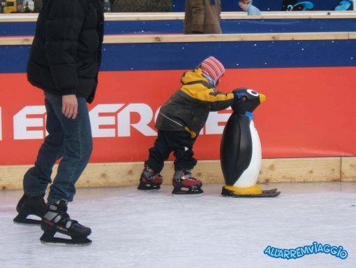 vienna_pattinare_sul_ghiaccio_con_bambini