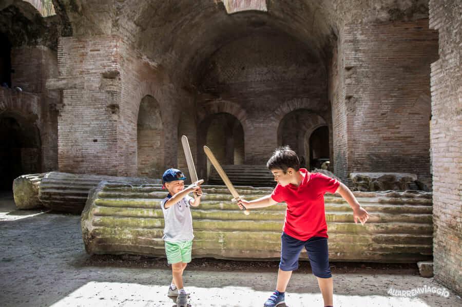 anfiteatro_flavio_pozzuoli_con_bambini