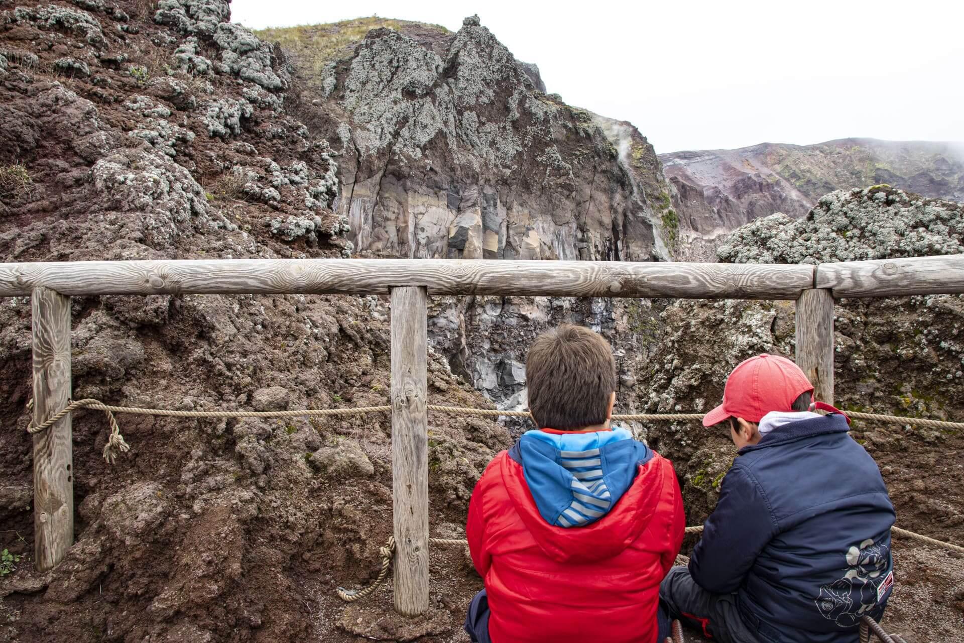 escursione sul cratere del Vesuvio