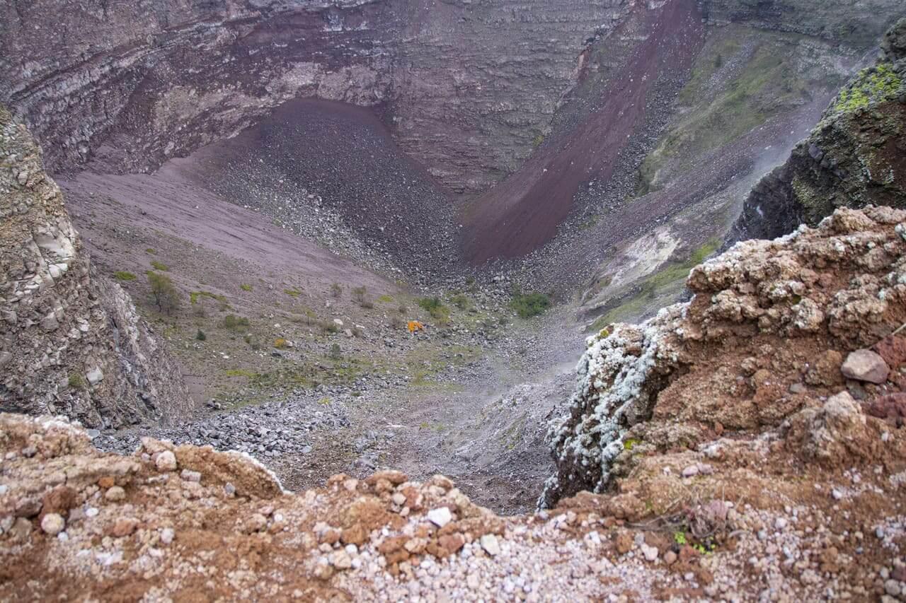 interno cratere vesuvio