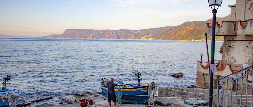 chianalea di scilla pescatore barche