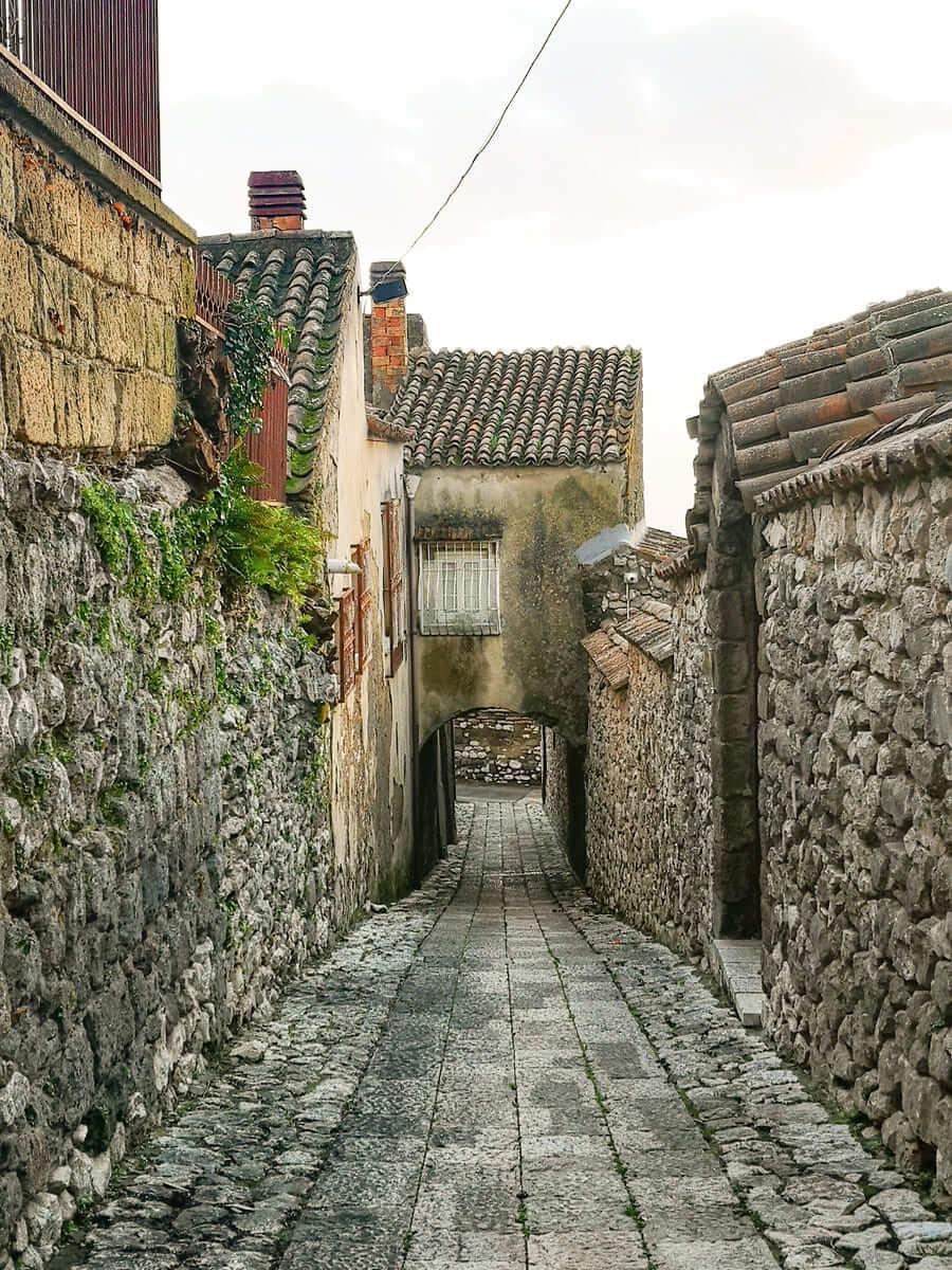 casertavecchia vicoli mura antiche