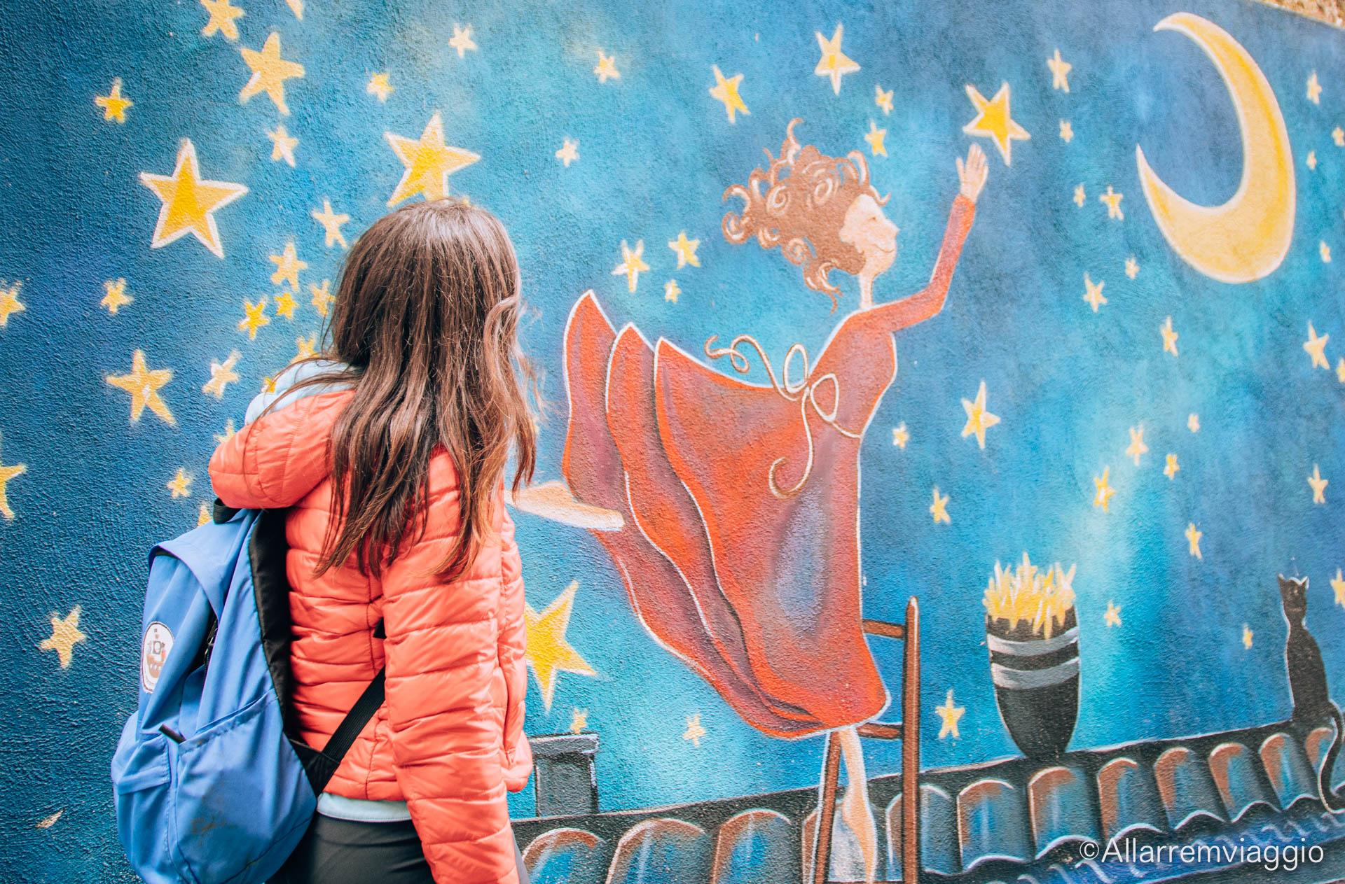 valogno murales mamma stelle