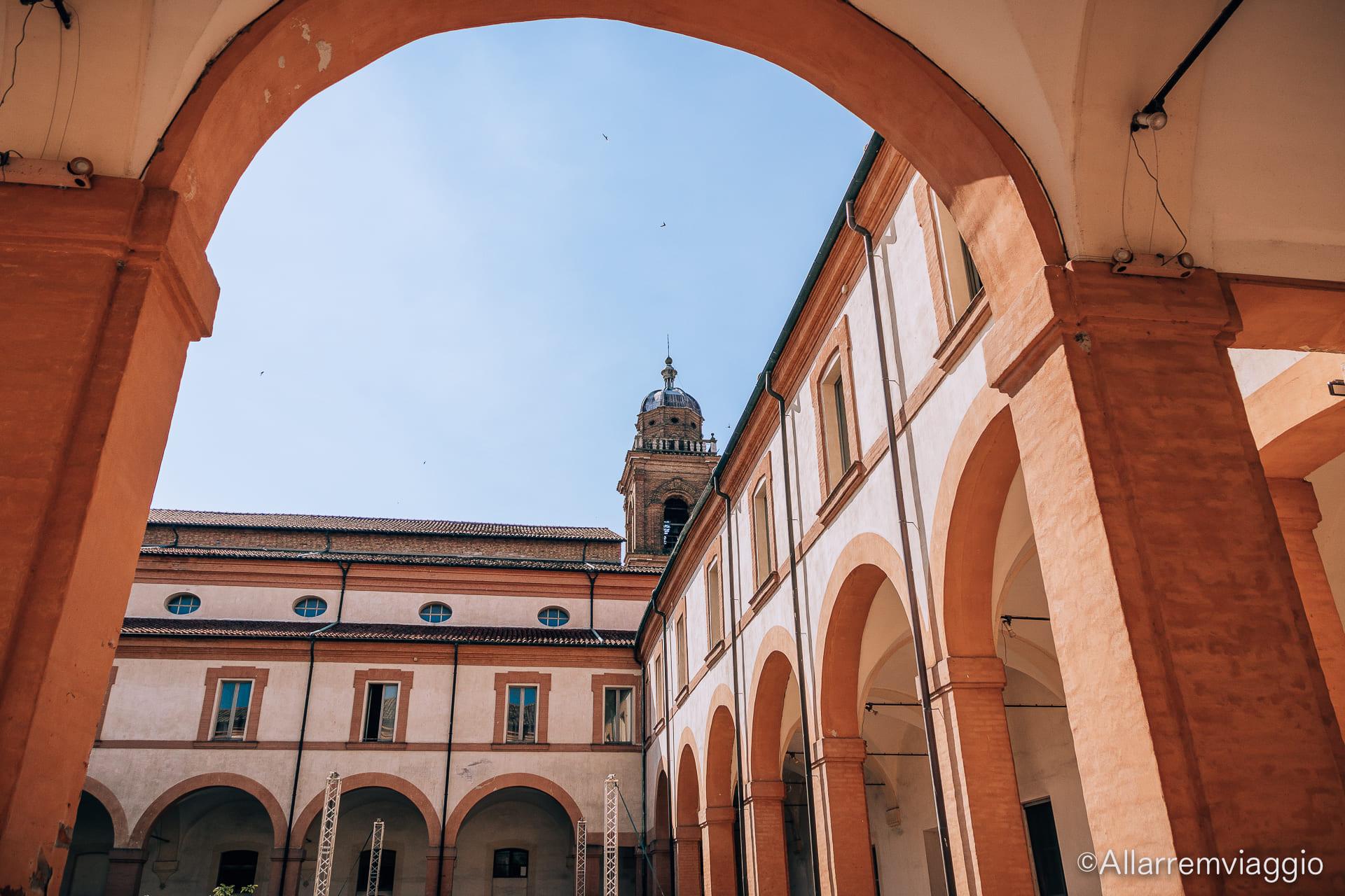 chiostro antico convento san francesco bagnacavallo