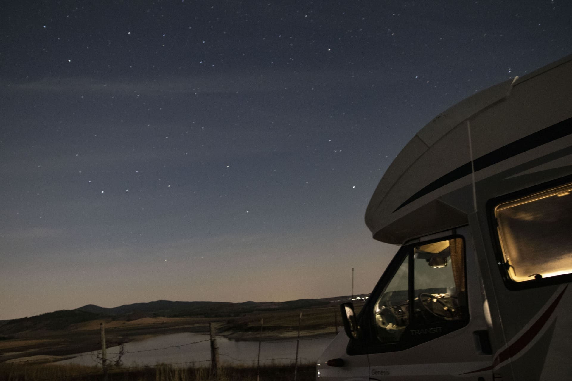 notte stellata camper lago cecita