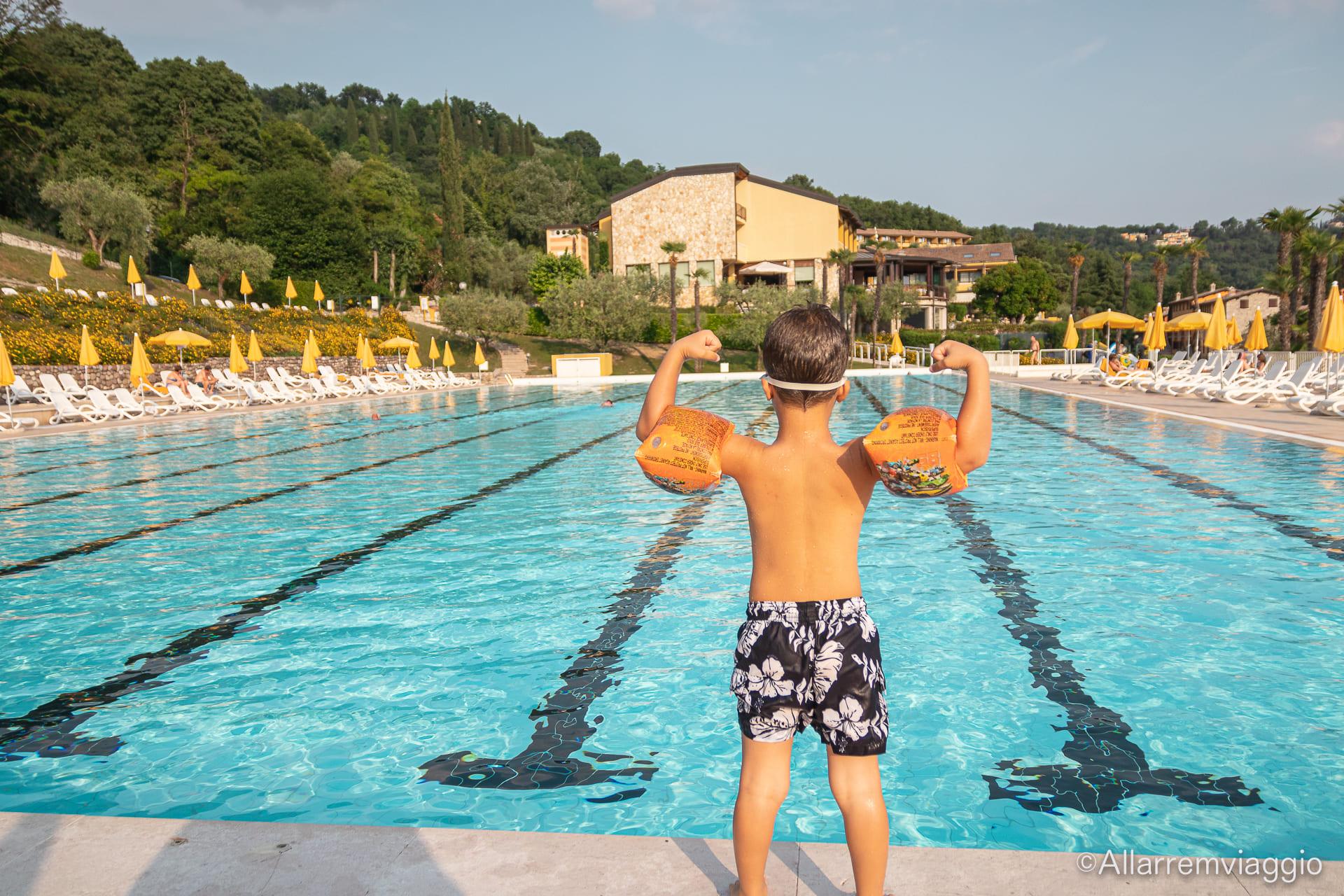 piscina poiano garda resort