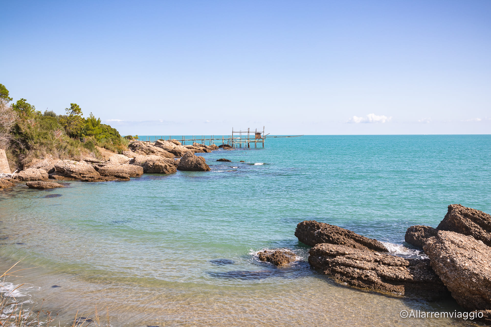 spiaggia di Torricella costa dei trabocchi