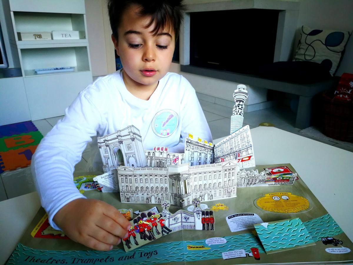 allarremviaggio viaggiare bambini londra libro popup guidaperbambini london piccoliviaggiatori (5)