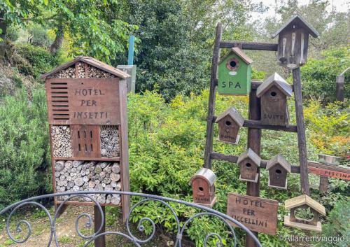 casetta insetti e uccelli