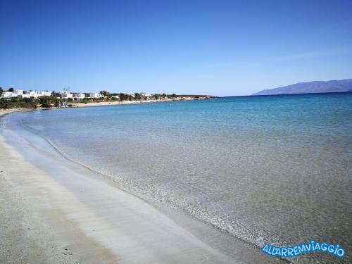 allarremviaggio piratiinviaggio viaggiare bambini spiagge paros cicladi cyclades paroikia naoussa greece santamaria kolymbithres aliki martselo goldenbeach (2)