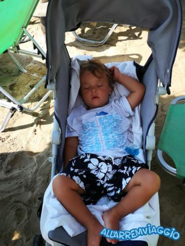 allarremviaggio piratiinviaggio viaggiare bambini spiagge paros cicladi cyclades paroikia naoussa greece santamaria kolymbithres aliki martselo goldenbeach (6)
