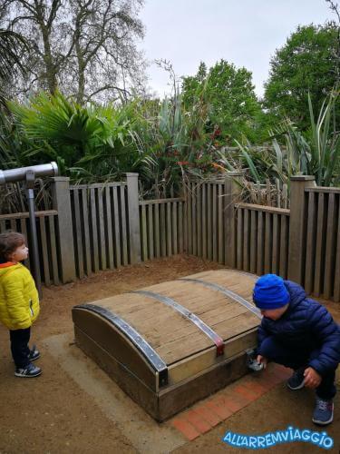 allarremviaggio piratiinviaggio viaggiarebambini organizzare viaggio bambini intrattenimento documenti volo londra inghilterra bigben towerbridge londoneye (48)