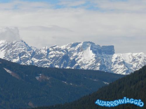 allarremviaggio viaggiare bambini dolomiti tirolo valleaurina valledibraies lagodibraies valledicasies montagna baita  (11)