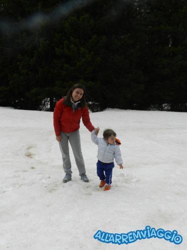 allarremviaggio viaggiare bambini dolomiti tirolo valleaurina valledibraies lagodibraies valledicasies montagna baita  (27)