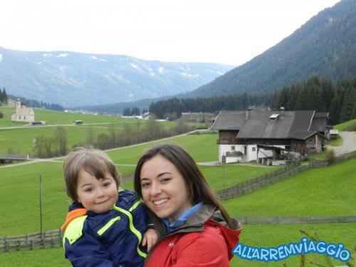 allarremviaggio viaggiare bambini dolomiti tirolo valleaurina valledibraies lagodibraies valledicasies montagna baita  (33)