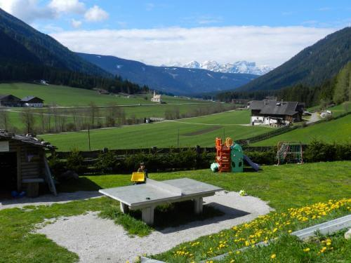 allarremviaggio viaggiare bambini dolomiti tirolo valleaurina valledibraies lagodibraies valledicasies montagna baita  (4)