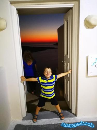 allarremviaggio viaggiare bambini grecia mare cicladi santorini mediterraneo beautifulisland (18)