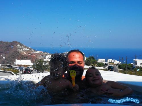 allarremviaggio viaggiare bambini grecia mare cicladi santorini mediterraneo beautifulisland (21)